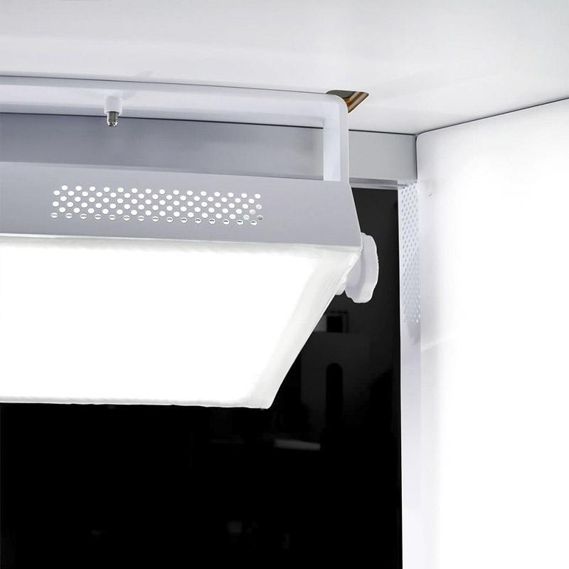 Iluminación LED dentro de un estudio fotográfico automatizado.