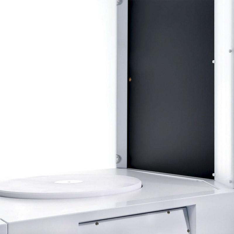 El plato giratorio que se puede agregar en un estudio fotográfico automatizado.
