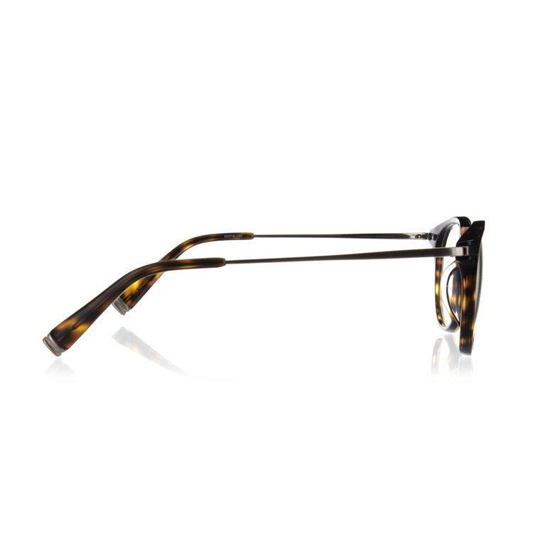 foto de las gafas tomadas desde multiples angulos