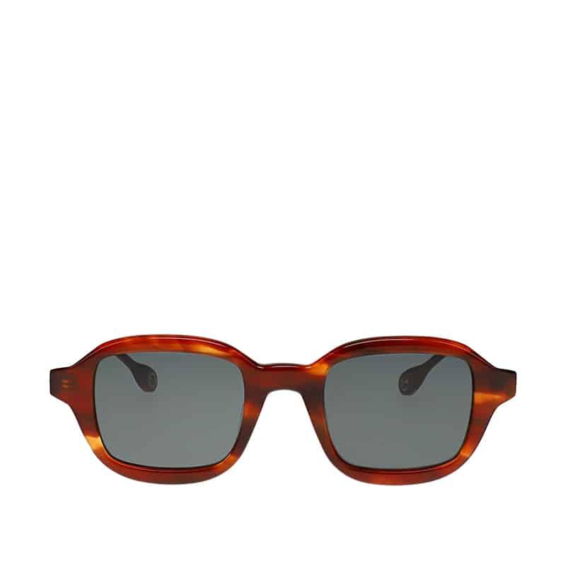 Fotografiar gafas con fondo blanco frente