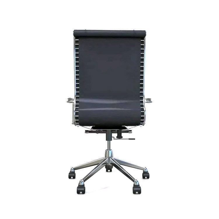 ejemplos de fotografía de silla de oficina en estudio packshot