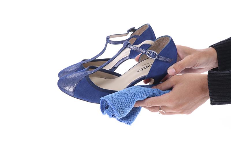 Como limpiar un par de zapatos