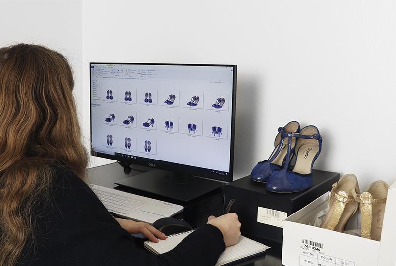 Definir las especificaciones de sus fotografias de zapatos multi-angulos