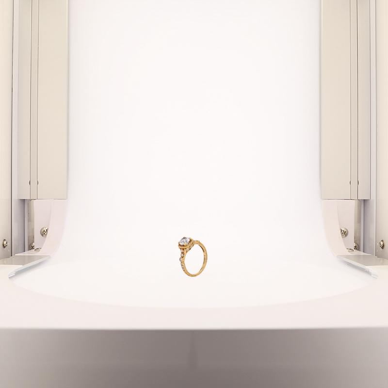 Foto de anillo de oro con el sistema dual lighting