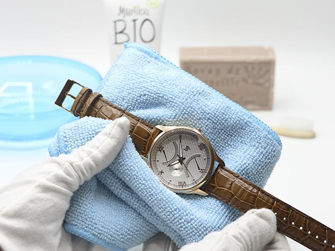 como limpiar una reloj antes de fotografiarla
