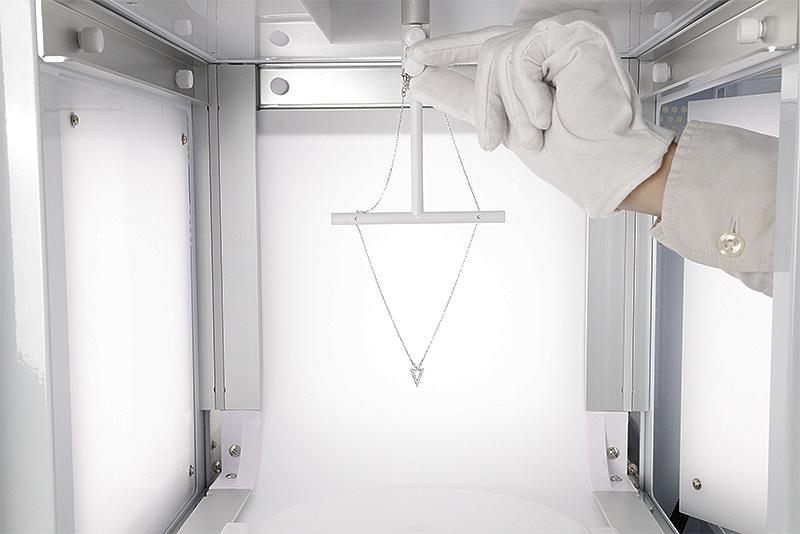 fotografiar collares - colgar un collar y fotografiarlo en 360° en estudio