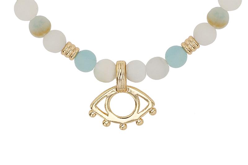 fotografia close-up collar mujer
