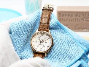 Cómo limpiar un reloj